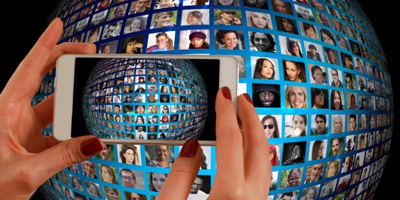Abfotografieren von Portraitbildern mit dem Smartphone
