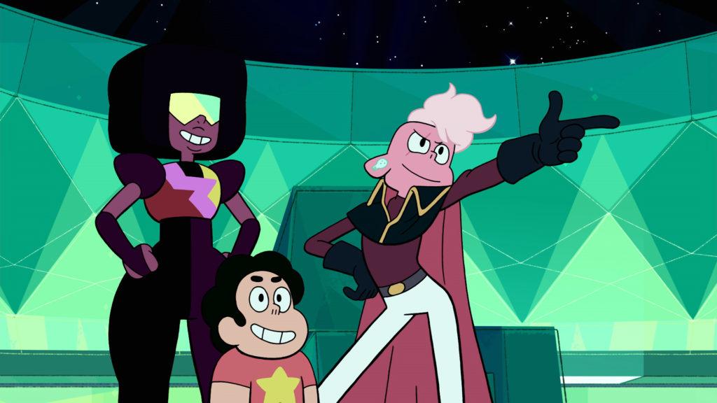 (Zeichentrick) In einem grünlichen Raumschiff: Garnet und Steven besuchen Lars und lächeln. Lars trägt einen Umhang mit Kragen und Schulterpolstern, eine Haartolle und Ohrringe. Er macht einen Tanz-Move mit Ausfallschritt und abgespreiztem Arm.