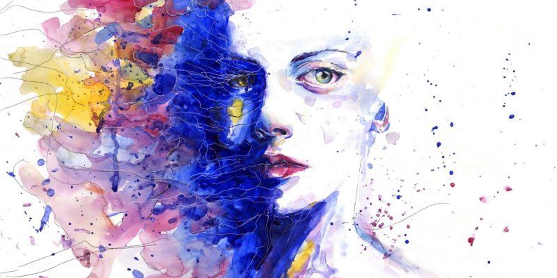 Eine Zeichnung, ein Porträt von einer nachdenklichen Frau, das als Negativzeichnung gestaltet ist. Dominiert von den Farben Blau und Rot.
